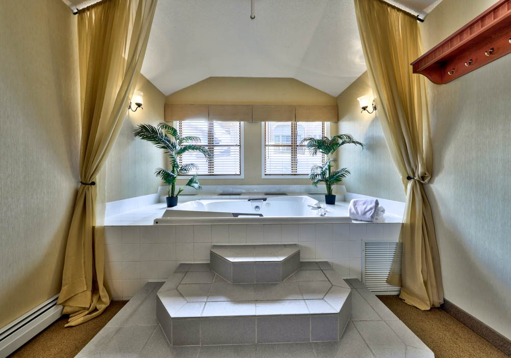 Double in-room Jet Tub